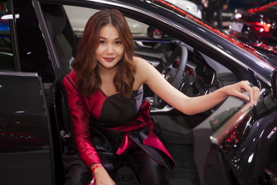 Hinh-anh-cac-dai-su-Audi-tai-trien-lam-ABE-Singapore-2018-anh-10