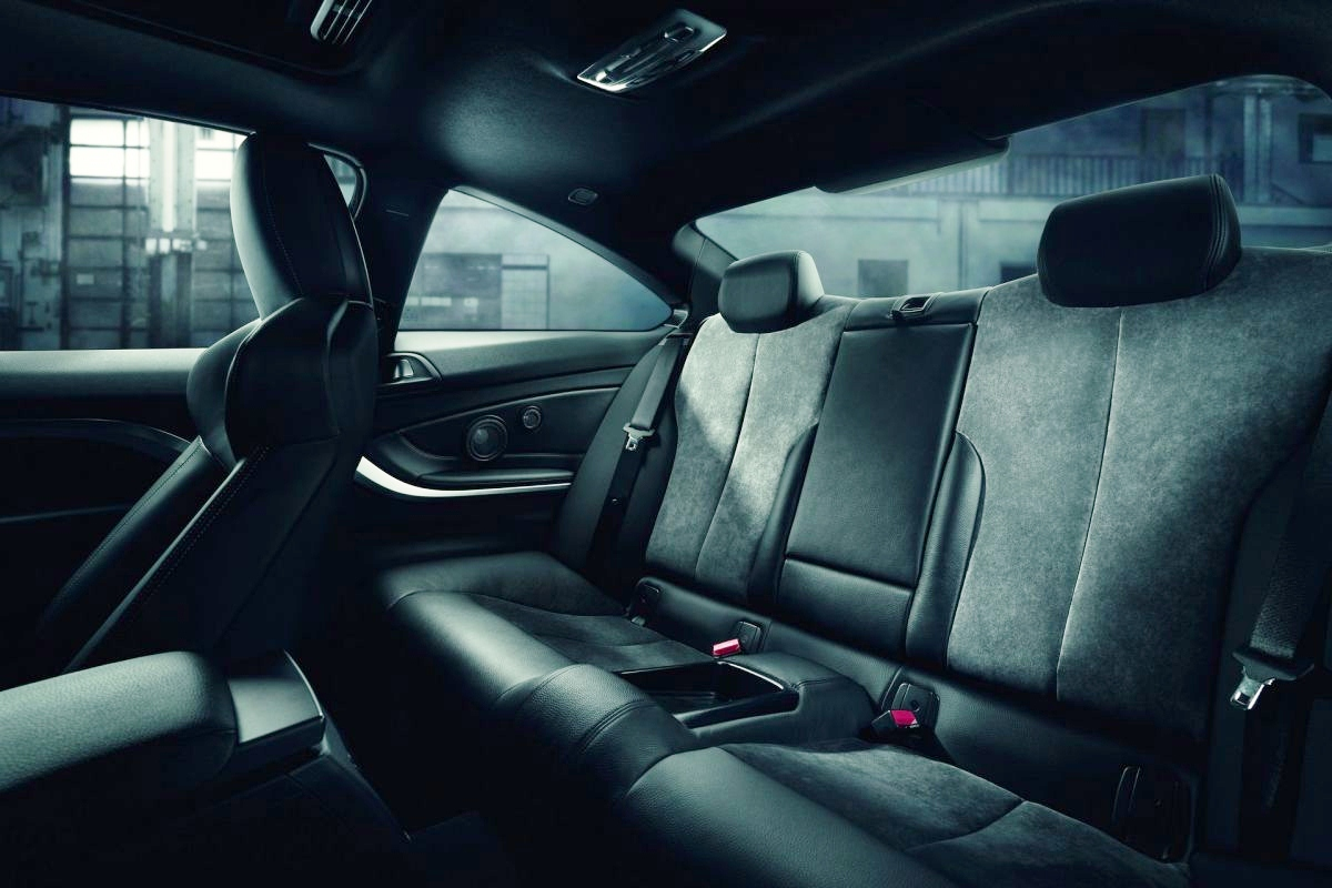 Alpina-gioi-thieu-xe-do-BMW-B4-S-Bi-Turbo-manh-445-ma-luc-anh-9
