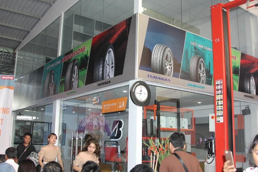 Bridgestone-to-chuc-chuong-trinh-Lan-Banh-An-Toan-anh-3
