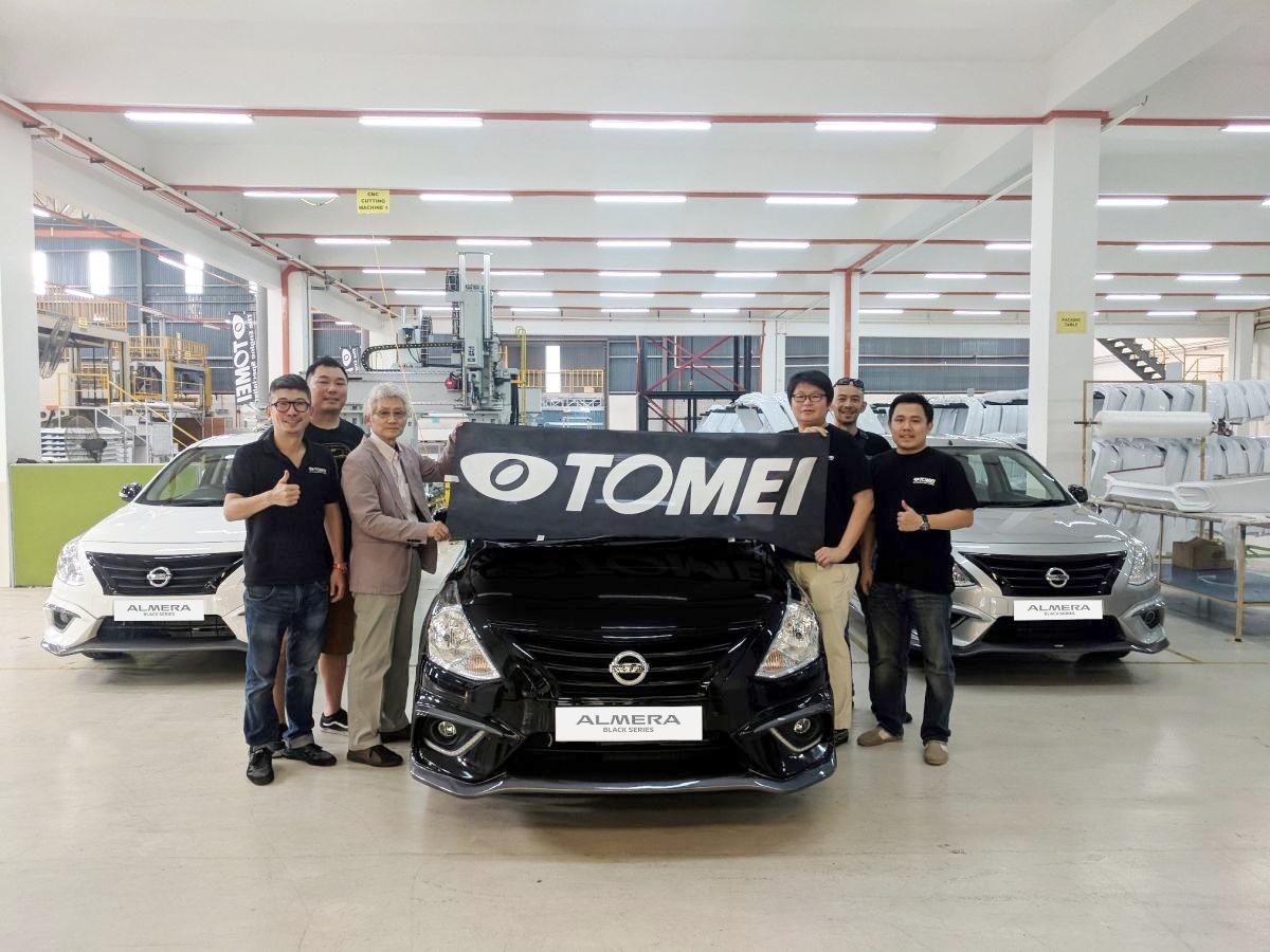 Nissan-Almera-thoi-trang-hon-voi-goi-do-xe-Black-Series-anh-10