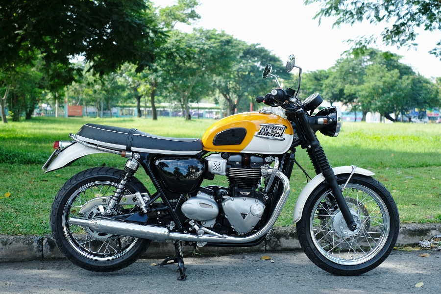 Triumph-Bonneville-T100-chay-cuc-luot-khap-Viet-Nam-anh-12