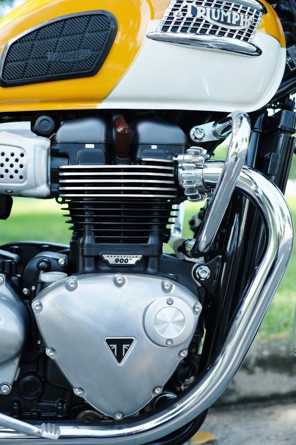 Triumph-Bonneville-T100-chay-cuc-luot-khap-Viet-Nam-anh-13