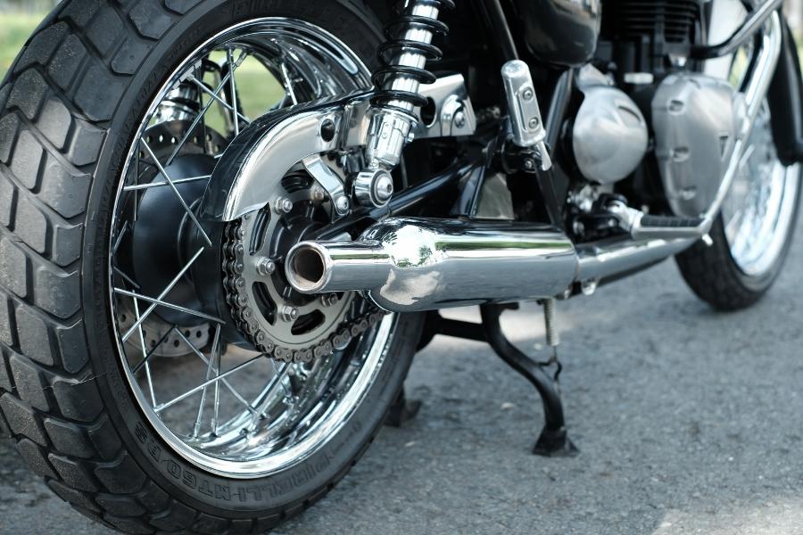 Triumph-Bonneville-T100-chay-cuc-luot-khap-Viet-Nam-anh-18