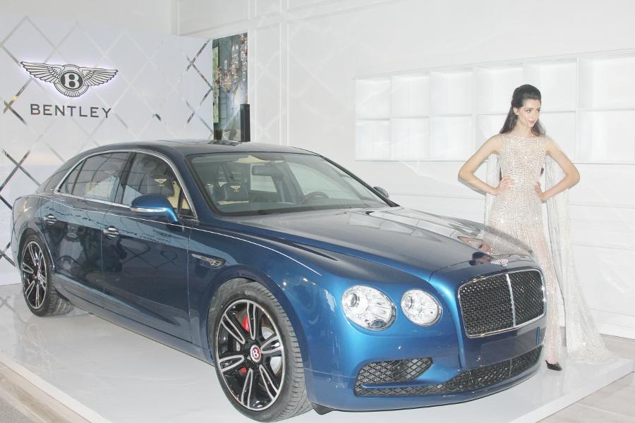 Ra-mat-sedan-sieu-sang-Bentley-gia-16-868-ty-dong-tai-TPHCM-anh-1