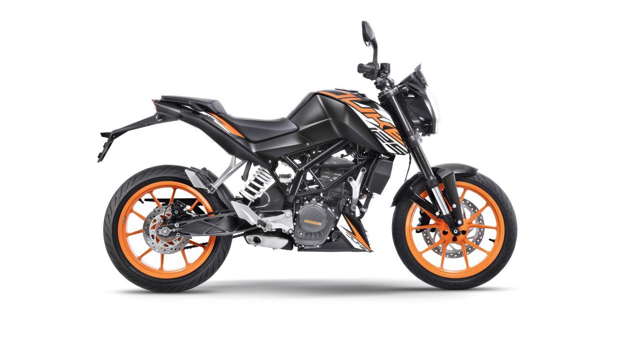 KTM-125-Duke-2018-vung-tay-lai-hon-nho-ABS-anh-3