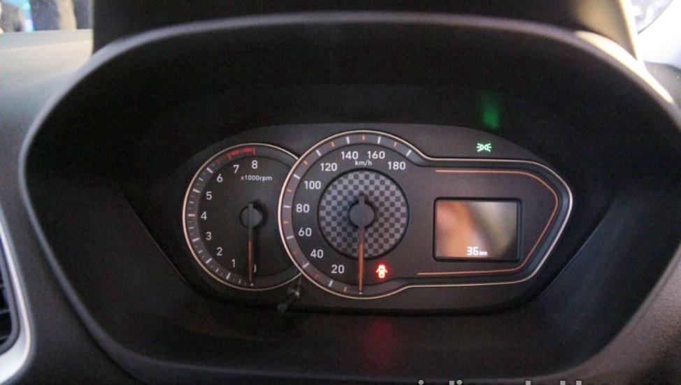 Hyundai-Santro-anh-10