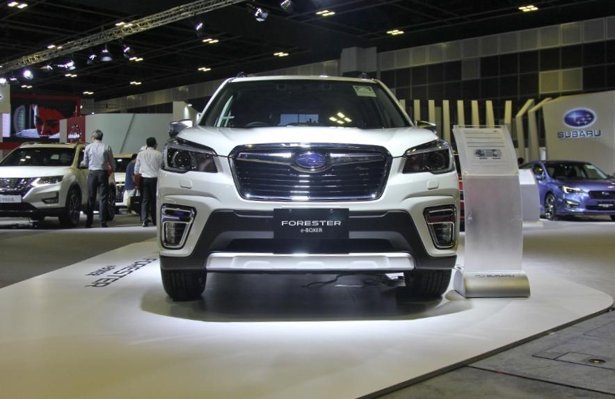 Xe-hybrid-Subaru-Forester-e-Boxer-2019-anh-1
