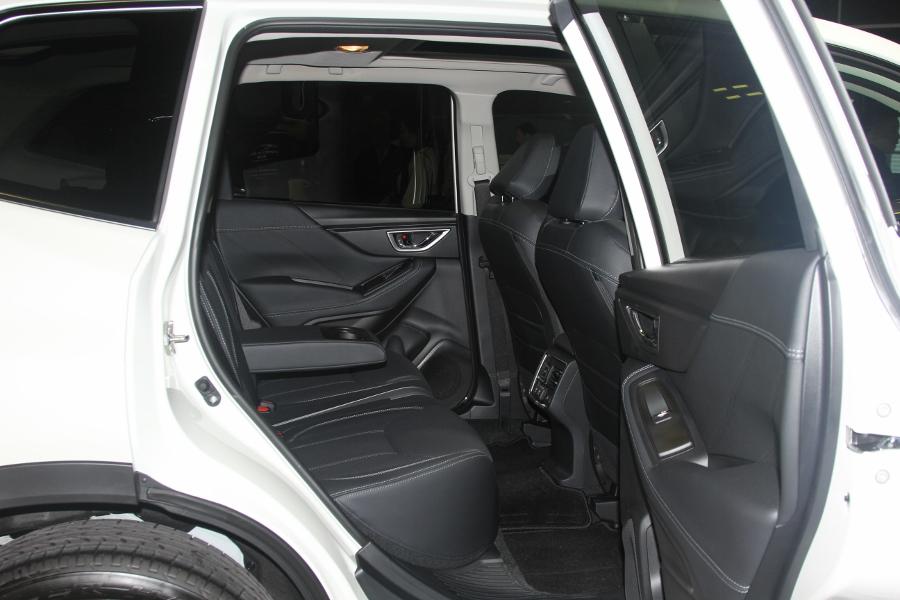 Xe-hybrid-Subaru-Forester-e-Boxer-2019-anh-13