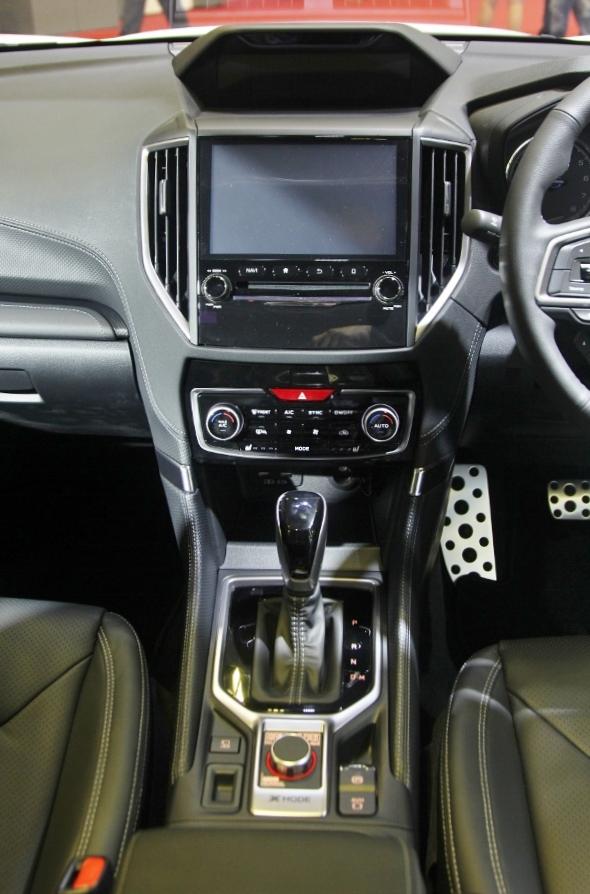 Xe-hybrid-Subaru-Forester-e-Boxer-2019-anh-15