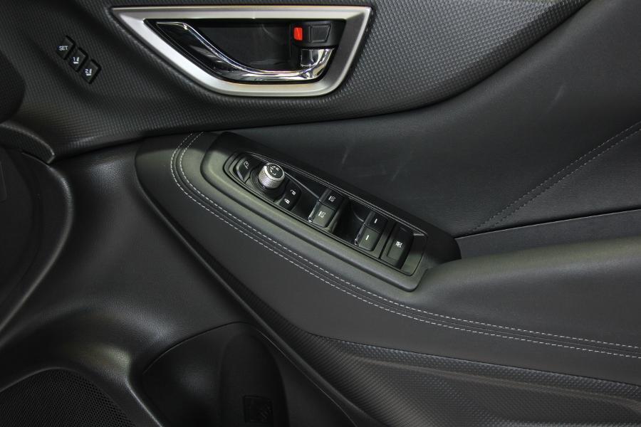 Xe-hybrid-Subaru-Forester-e-Boxer-2019-anh-18