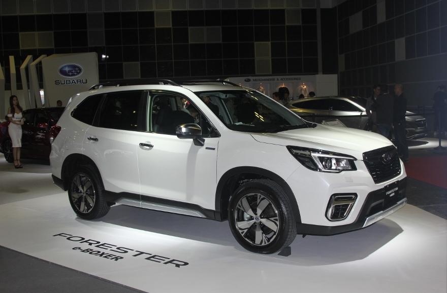 Xe-hybrid-Subaru-Forester-e-Boxer-2019-anh-2
