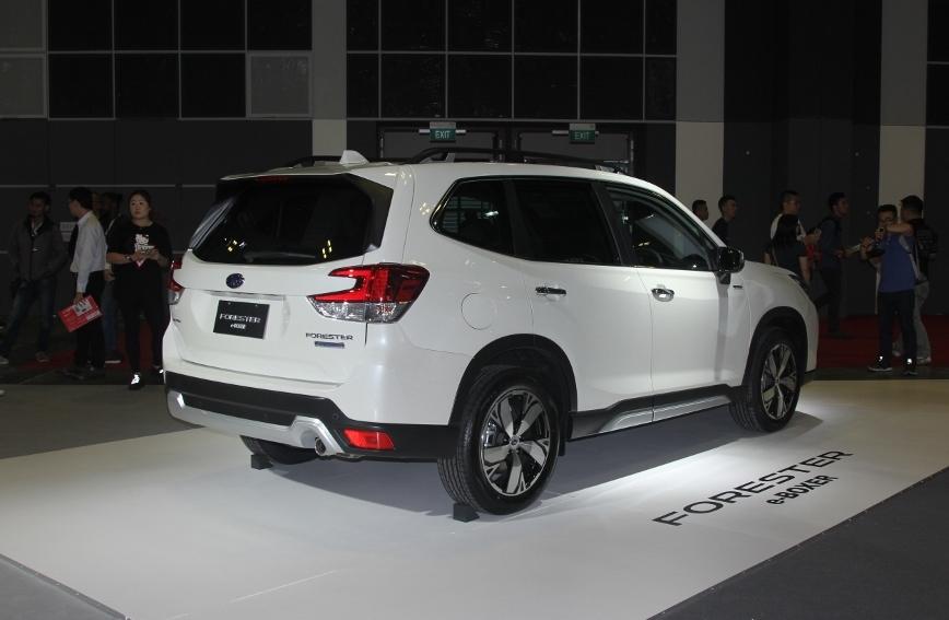 Xe-hybrid-Subaru-Forester-e-Boxer-2019-anh-3
