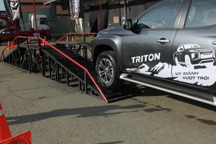 Trai-nghiem-Mitsubishi-Triton-2019-tai-TP-HCM-anh-17