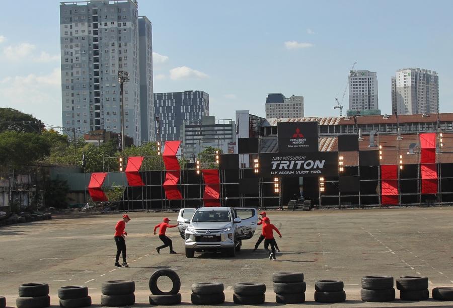 Trai-nghiem-Mitsubishi-Triton-2019-tai-TP-HCM-anh-26