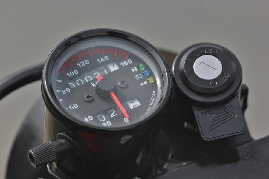 Honda-CD125-do-Cafe-Racer-anh-10