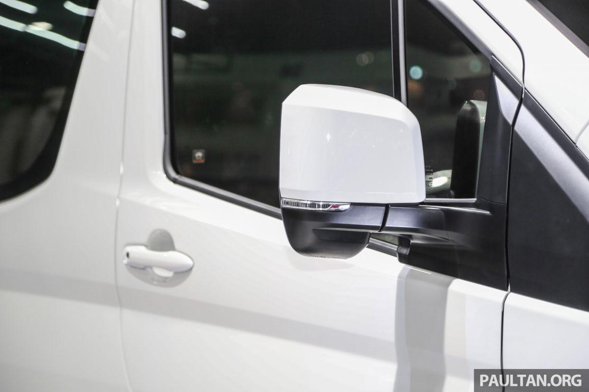 Toyota-Hiace-Commuter-BIMS-2019-anh-6