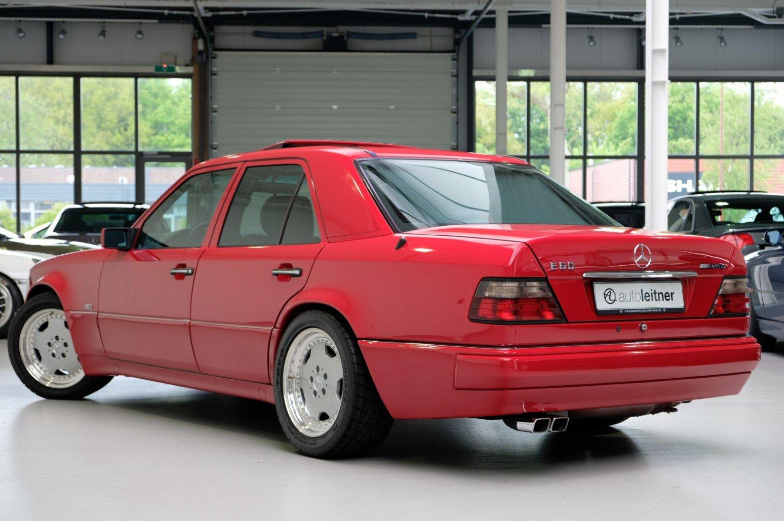 Mercedes-Benz-E60-AMG-anh-2