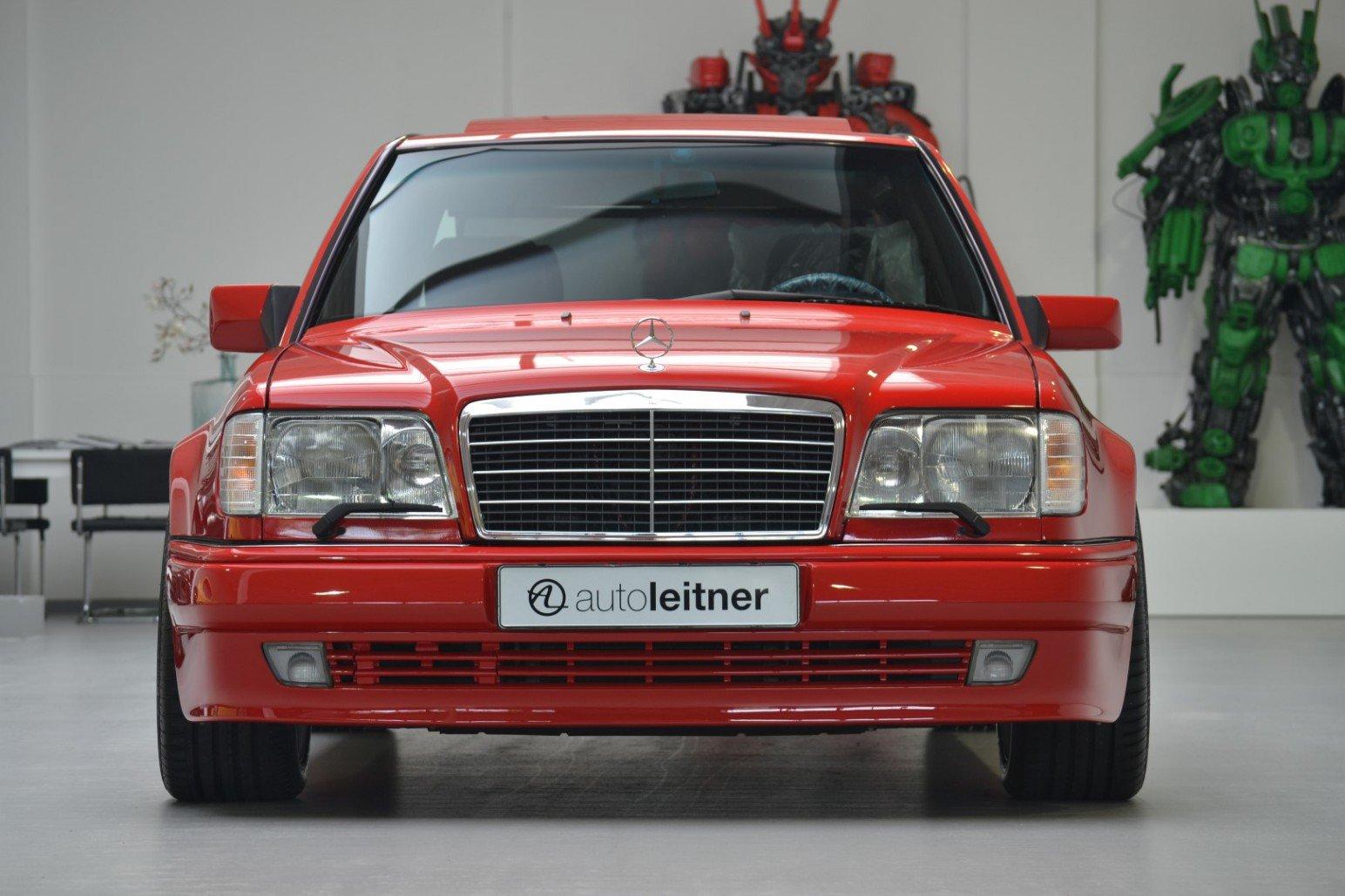 Mercedes-Benz-E60-AMG-anh-3