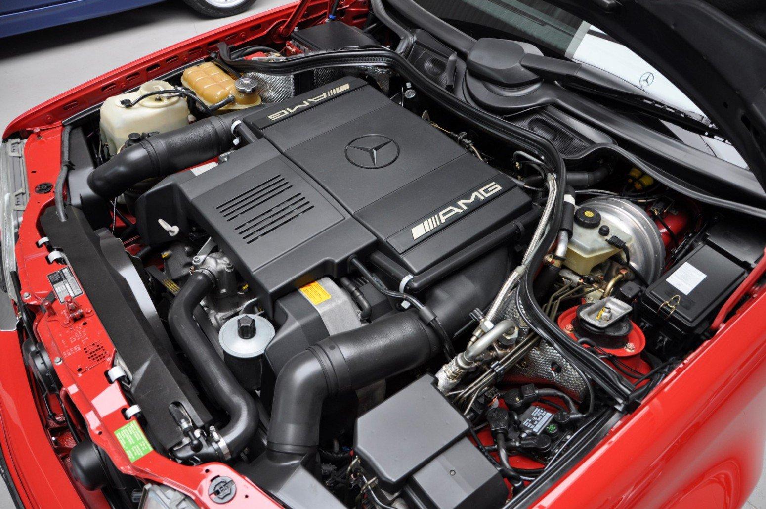 Mercedes-Benz-E60-AMG-anh-9
