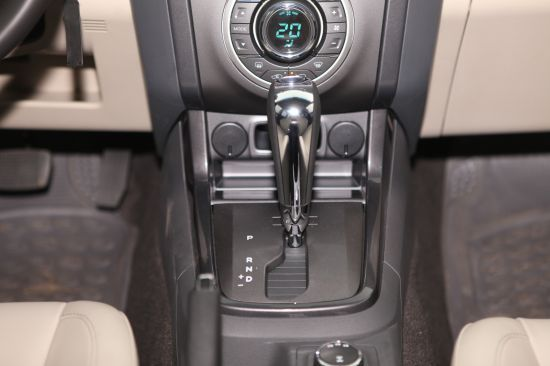 Chevrolet Colorado bán tải chất Mỹ ảnh 12