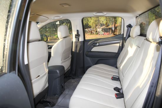 Chevrolet Colorado bán tải chất Mỹ ảnh 14