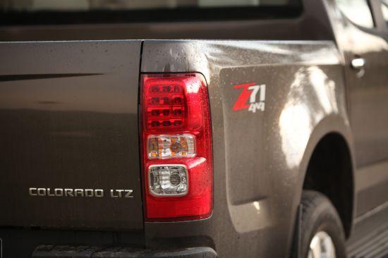 Chevrolet Colorado bán tải chất Mỹ ảnh 17