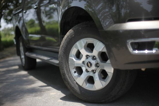 Chevrolet Colorado bán tải chất Mỹ ảnh 21