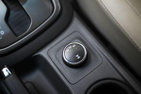 Chevrolet Colorado bán tải chất Mỹ ảnh 22
