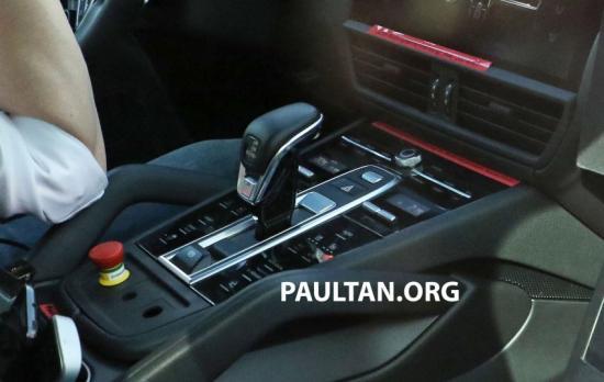 Porsche Cayenne 2018 sẽ được trang bị màn hình lớn hơn3