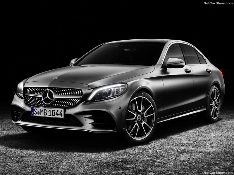 Mercedes-Benz-them-C-Class-2018-ban-may-dau-gia-re-anh-5
