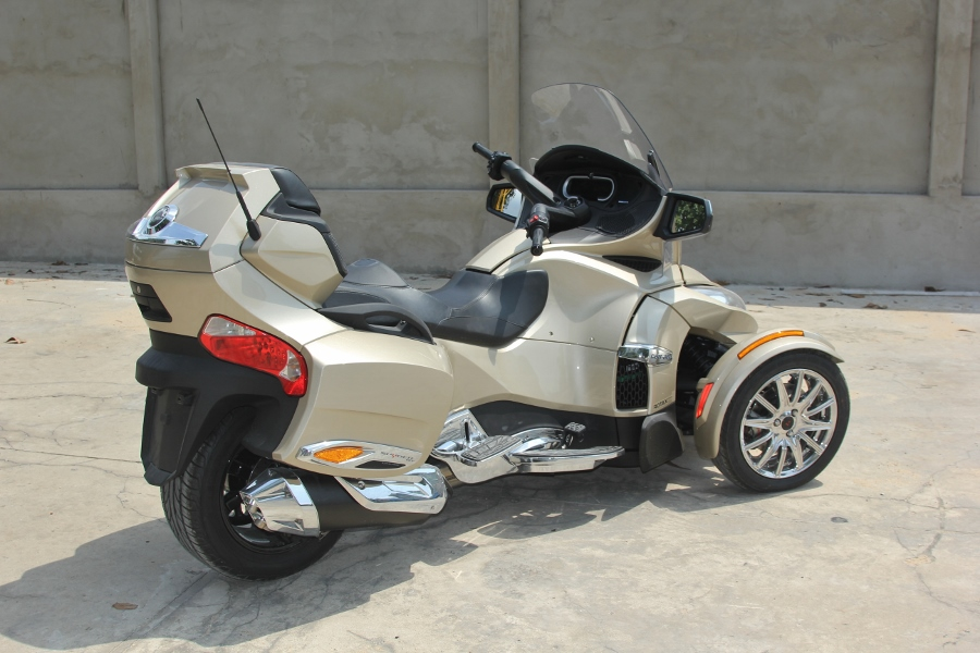 Can-Am-Spyder-RT-Limited-2018-anh-11