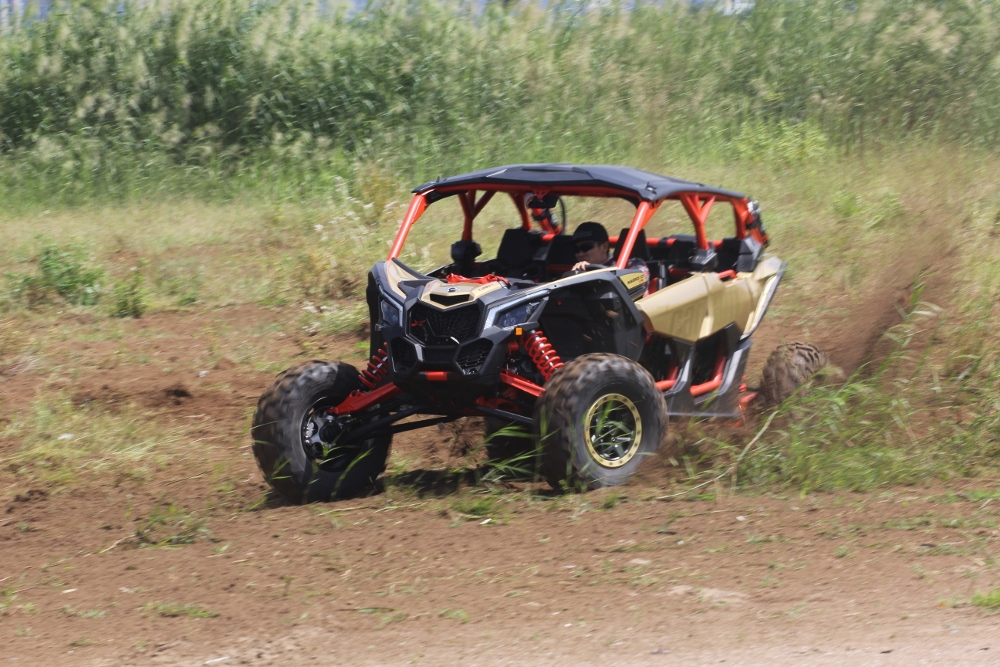 Test-Can-Am-Maverick-X-rs-2019-anh-14